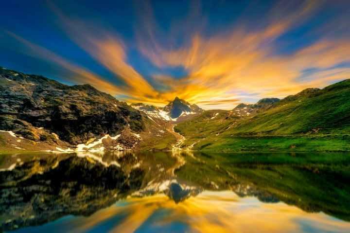 clouds idyllic lake majestic